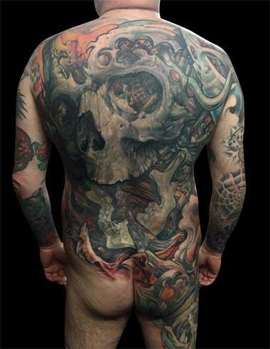 Mad Science Tattoo Den Haag Leslie Reesen back piece skull