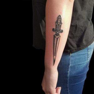 Mad Science Tattoo Den Haag Albert Nijssen dolk