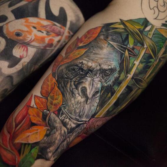 Mad Science Tattoo Den Haag Leslie Reesen Full color animal leg piece gorilla aap ape chimpanse
